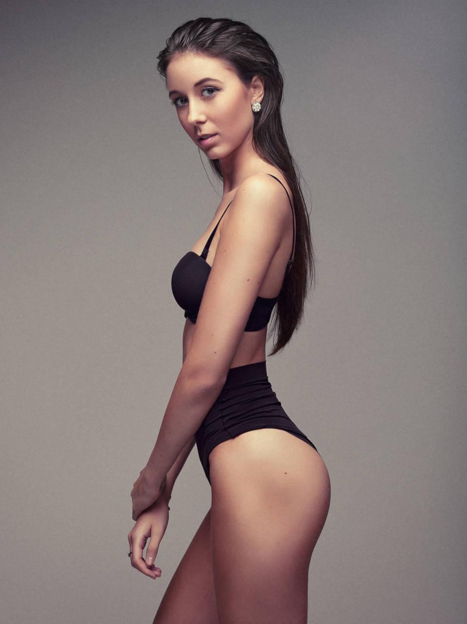 Model : Kim Deloncle